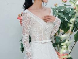 10 gợi ý trong việc chọn áo cưới cho nàng chân ngắn