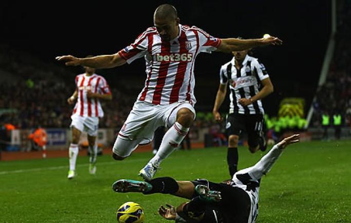 8live nhận định Máy tính dự đoán bóng đá 01/01: Ygeteb nhận định Stoke City vs Newcastle