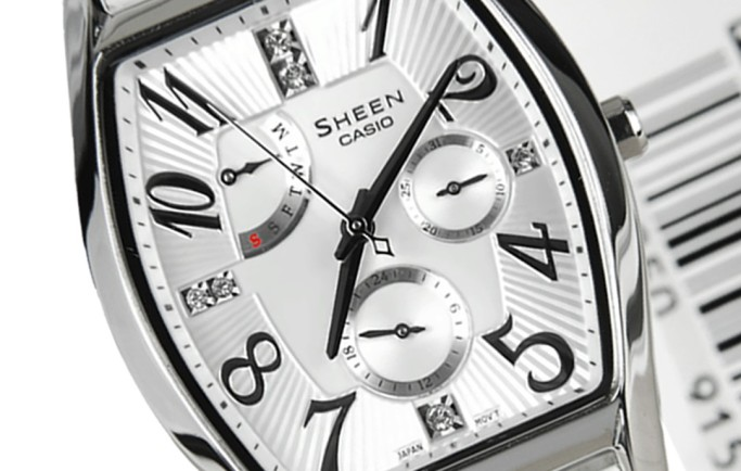 Casio Sheen SHE-3026L-7A1 màu trắng tinh tế cho phái đẹp