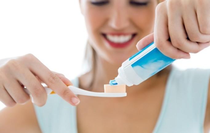 Chụp răng sứ nguyên liệu nào bền nhất bây giờ?