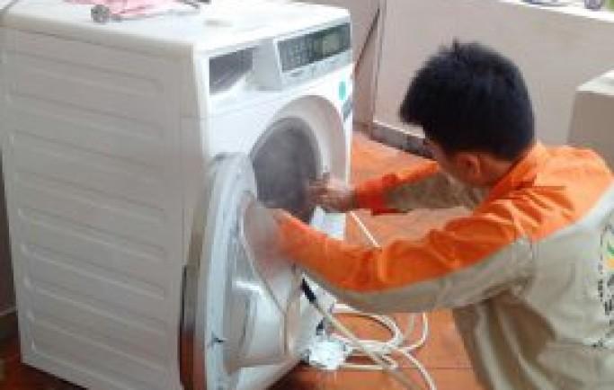 Chuyên gia tư vấn bạn cách sửa chữa máy giặt bị lỗi không vắt nước