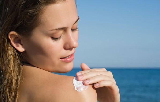 da nhạy cảm có nên dùng kem chống nắng