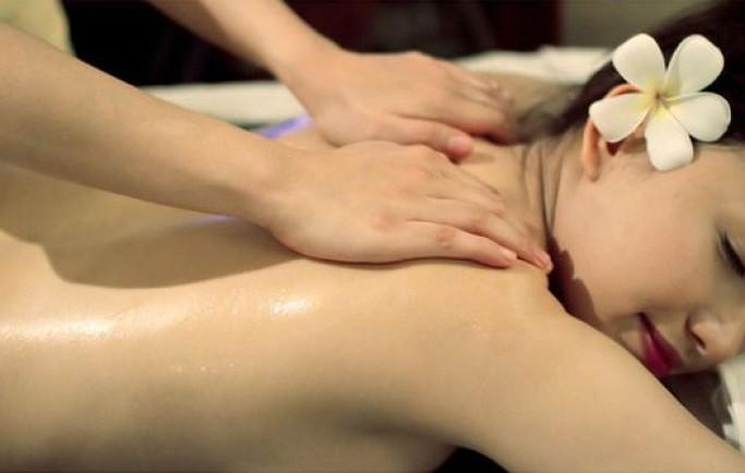 Dấu hiệu đau ngang thắt lưng và cách giảm đau