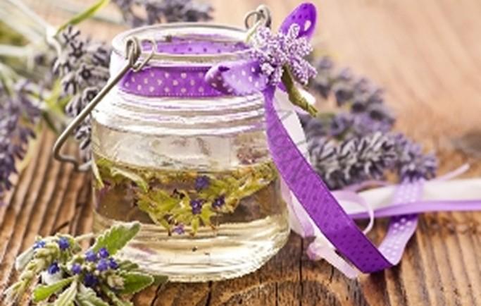 Dầu Hoa lavender and tinh dầu cao cấp chè Xanh trị mụn như thế nào