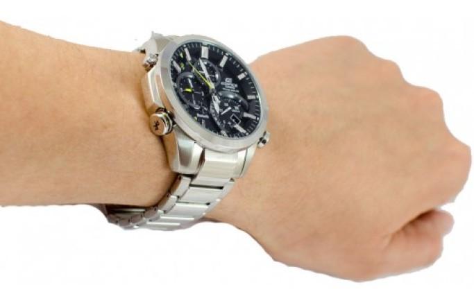 Đồng hồ Casio Edifice EFV-500D-1AV mặt đen tinh tế
