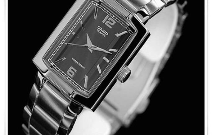 Đồng hồ Casio LTP-1233D-1 cá tính lạ mắt cho chị em phái đẹp