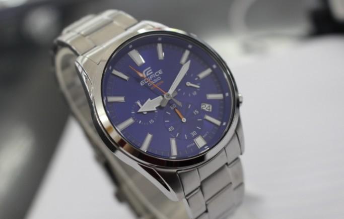 Đồng hồ nam Casio Edifice EFV-510D-2A mặt xanh lịch lãm
