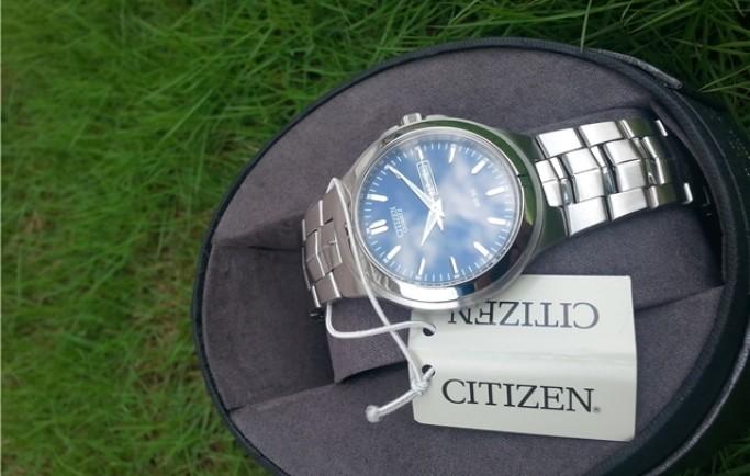 Đồng hồ nam Citizen Quartz BF0590-53L dây kim loại