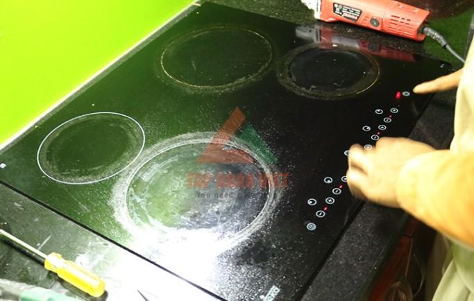 Gọi ngay số 0988 230 233 để kỹ thuật viên đến sửa bếp từ nhanh nhất