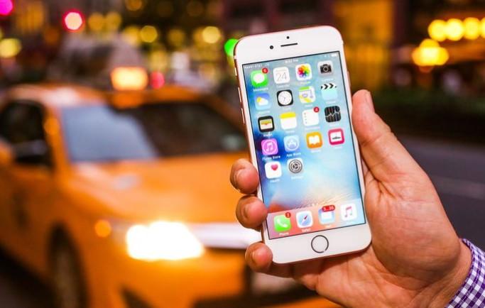 iPhone 6s và 6s Plus đang bán tốt hơn rất nhiều so với iPhone 8