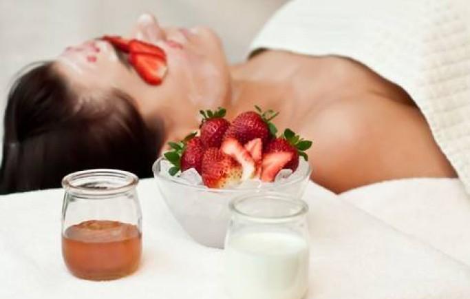Mẹo tắm trắng da hiệu quả bằng trái cây tại nhà bạn