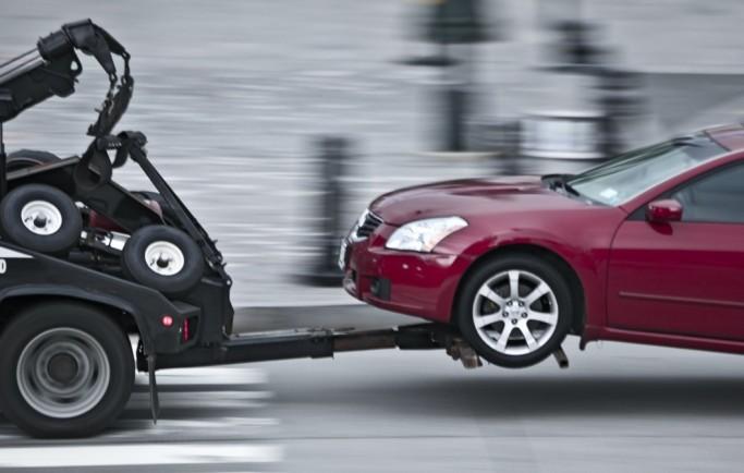 Những điều cần biết khi muốn đưa ô tô lên xe kéo