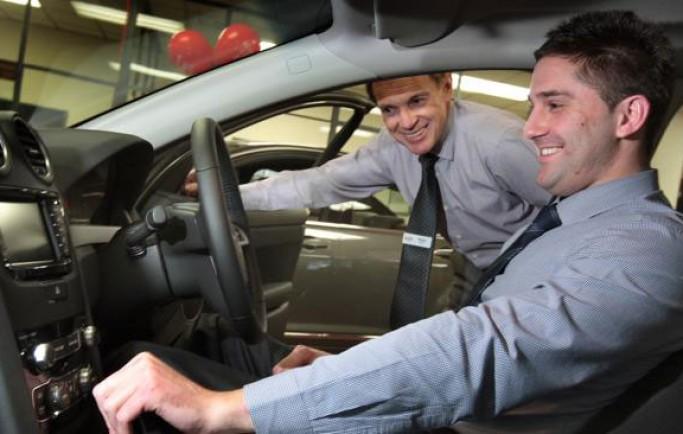 Những việc cần nhớ khi bước xuống xe ô tô