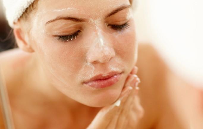 Sạm da khiến khuôn mặt bạn trở nên kém rạng rỡ và tươi tắn đi rất nhiều