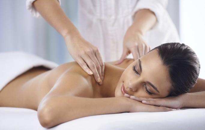 Tác dụng tuyệt vời của tinh dầu massage