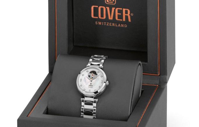 Thu hút với chiếc đồng hồ Nữ Cover CoA8.01 lộ máy thời trang độc đáo