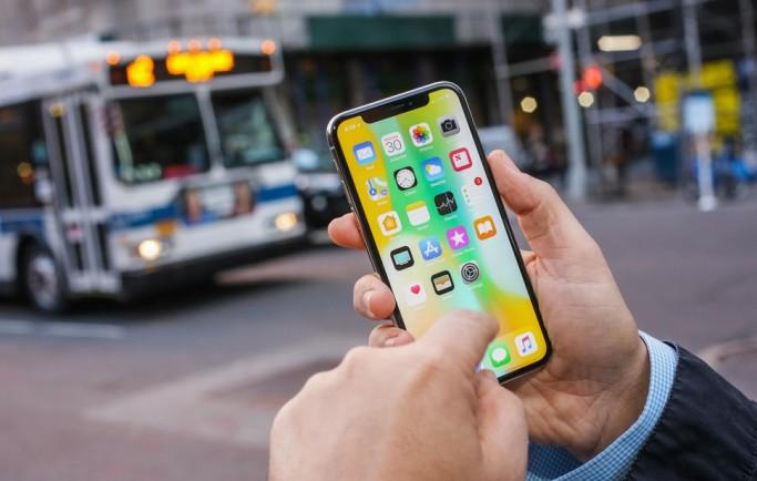 Tỷ lệ người dùng iPhone X vượt iPhone 6S tại thời điểm mới lên kệ