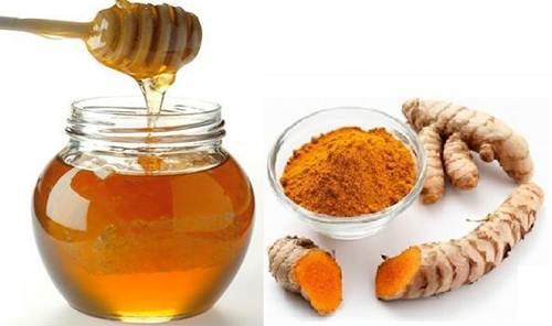 mật ong và nghệ giúp giảm nám da