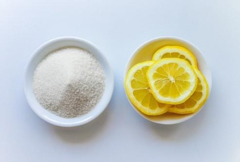 Trị nám da từ chanh và đường nâu