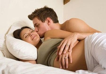 Trong quá trình mang bầu có quan hệ được không