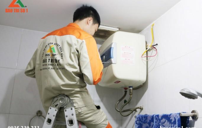 Gọi số 0988 230 233 thợ đến lắp đặt bình nóng lạnh uy tín