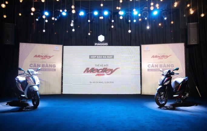 Piaggio Medley ABS 2018 chính thống khai trương khách hàng Việt, giá từ 72,5 triệu đồng